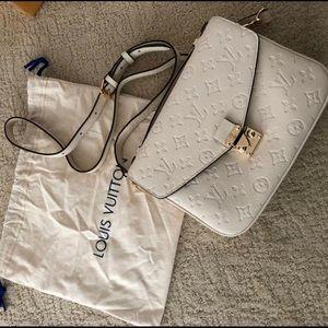 Louis Vuitton Métis white